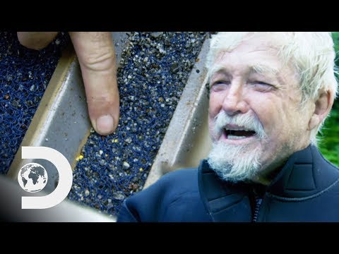 Fred Hurt Finds His First Gold Of The New Season | Gold Rush: White Water