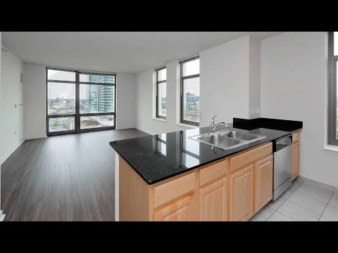 A Fulton River District sunny one-bedroom at Echelon Chicago