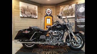 9. 2018  Harley-Davidson Road King FLHR-Vivid Black for sale.