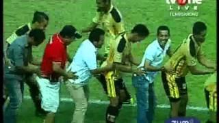 Video 64_Cuplikan gol_Mitra Kukar vs Persib MP3, 3GP, MP4, WEBM, AVI, FLV Januari 2019