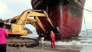 Video Oil Tanker Orapin 4, Salvage Operation in Thailand MP3, 3GP, MP4, WEBM, AVI, FLV September 2018