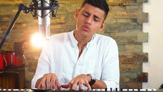esta es mi version de la cancion del artista vallenato y compositor felipe pelaez al lado de su acordeonero manuel julian, una muy bonita cancion para escuchar y dedicar, espero les guste mi version.