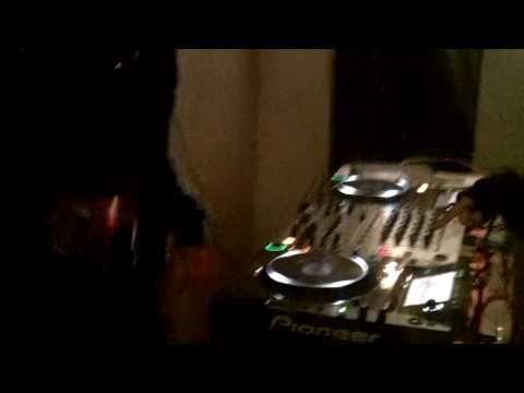 PURPLE HAZZE DJ SET @SHE IS COMING (3 TRACKS MIX/GOOD AUDIO)