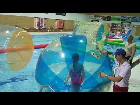 Aquazorbing na bazéně