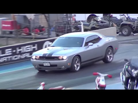 Challenger SRT8 vs. RAM SRT10