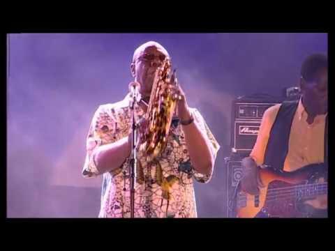 """""""Vence, Bulles de Cultures souhaite rendre hommage au chanteur et multi-instrumentiste Manu Dibango en vous proposant un concert des Nuits du Sud de l'édition 2012. N'hésitez pas à commenter, à partager ! :)  """""""