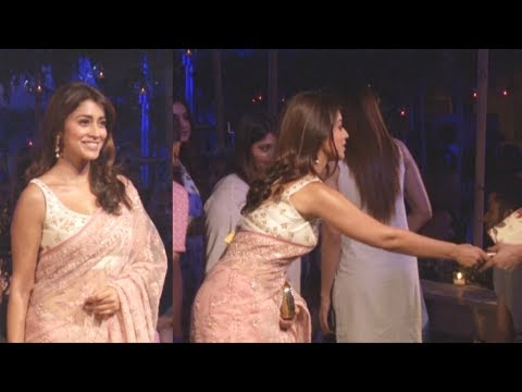 Shriya Saran Hot in Saree Latest lfw 2018
