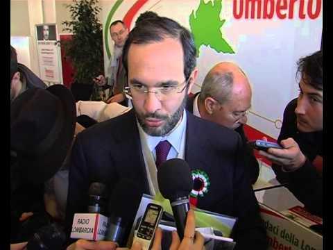 Regionali, Ambrosoli firma Patto dei Sindaci