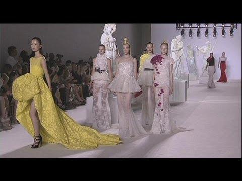 Les défilés Haute couture collections automne-hiver 2013-2014 continuent à Paris - le mag