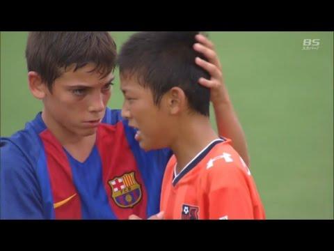日本U12足球小將在世界挑戰賽中因「輸掉比賽而爆哭」,西班牙對手發現後集體轉身朝他們走過去...