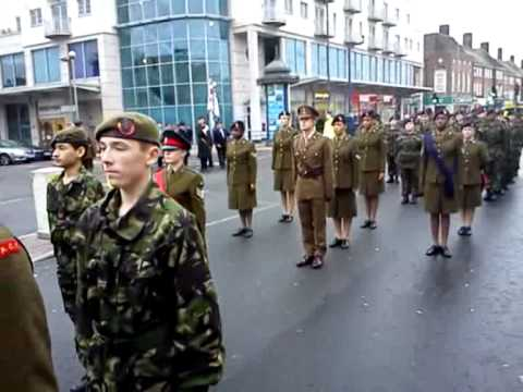 Edgware Town, Middlesex, Remembrance Day 2010 (видео)
