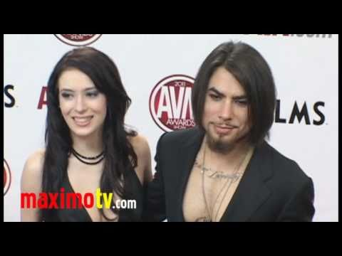 DAVE NAVARRO & AIDEN ASHLEY At 2011 AVN AWARDS Red Carpet Arrivals