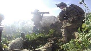 Cohete backblast lanza por los aires a soldado