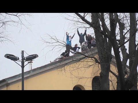 Ιταλία: Αιματηρές εξεγέρσεις στις φυλακές με αφορμή τα μέτρα περιορισμού για τον COVID-19…
