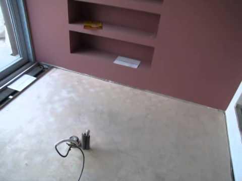 Kontrola rovinnosti podkladu před položením podlahy