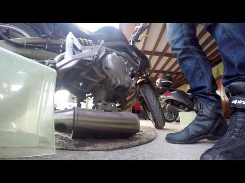 [How to] ER6n 2006 - Delkevic Exhaust Mountage (видео)