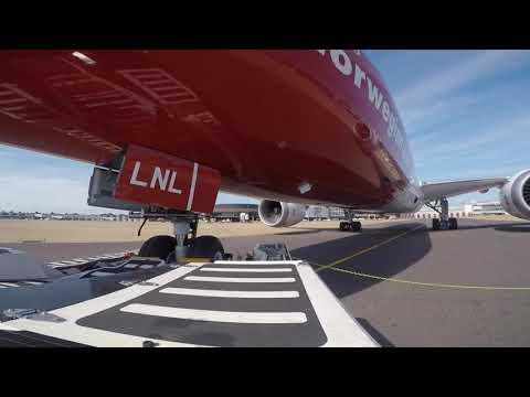 Ramp Life: Norwegian B787-9 TBL pushback HD (14 June 2017)