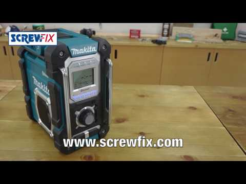 Makita DMR106 AM / FM Portable Site Radio 240V