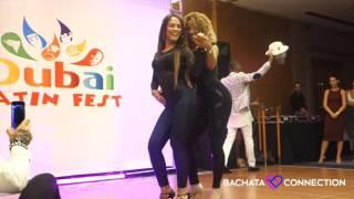 Zmysłowy taniec dziewcząt – jak wulkan gorące, wiją się i prężą :)