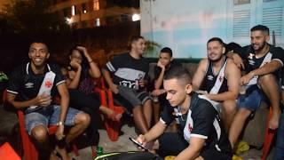 Vitória 1 x 4 Vasco - Campeonato Brasileiro 2017 (13ª Rodada) MAIS UMA COBERTURA DO CANAL DESDE 1898, COM OS MELHORES MOMENTOS DA RESENHA,  NÃO TEM JEITO!!!!! ➜ SE INSCREVE NO CANAL, DEIXA O LIKE E COMPARTILHA!!!➜  RIFA: http://www.rifadigital.com.br/camisa-oficial-2017-tamanho-m-sem-patroc-nio1➜  AJUDEM NA COMPRA DA CÂMERA PRO CANAL: https://goo.gl/9MjcAyQUALQUER AJUDA É BEM-VINDA, 1 REAL, 2, 3, ENFIM, AJUDEM!!!!➤  MÍDIAS DO CANAL PAGE OFICIAL: https://www.facebook.com/desde1898pageINSTAGRAM: https://www.instagram.com/CANALDESDE1898TWITTER: https://twitter.com/CANALDESDE1898➤ PARCEIROS NO FACEBOOK: https://www.facebook.com/torcedorgigante https://www.facebook.com/Vascainobolado1898https://www.facebook.com/Resenha-Cruzmaltinahttps://www.facebook.com/LoucosPeloVasco22https://www.facebook.com/GooldoVascao➤ PARCEIROS NO INSTAGRAM:@tevinojogodovasco@souvascomesmo@vascoateamorte@canal.noticiasdogigante@marvila_cosmeticos@VascoDesign@GedersonB.Design➤ PARCEIROS NO TWITTER:@Newscolina