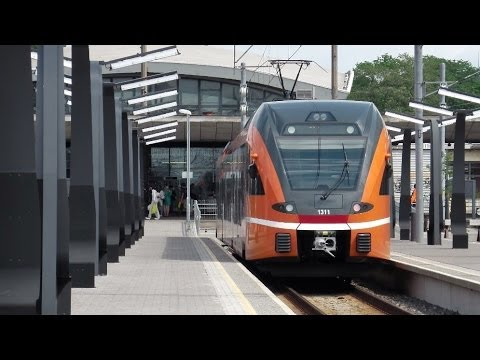 Tallinn (Balti jaam) - Elron (electric and diesel FLIRTs) - Stadtbilder