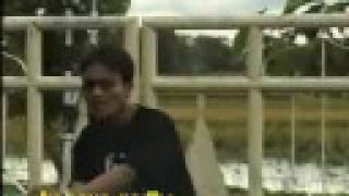 soniexz- DETOL solo(gerbang asrama)
