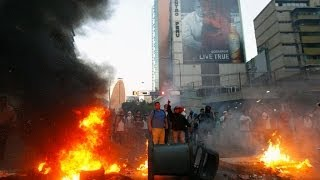Caracas Chaos Video: Gunfire, Clashes As 3 Dead In Violent Venezuela Protests