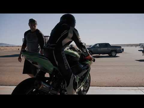 Vídeos de 'Lewis Hamilton entrena en moto con Cal Crutchlow'
