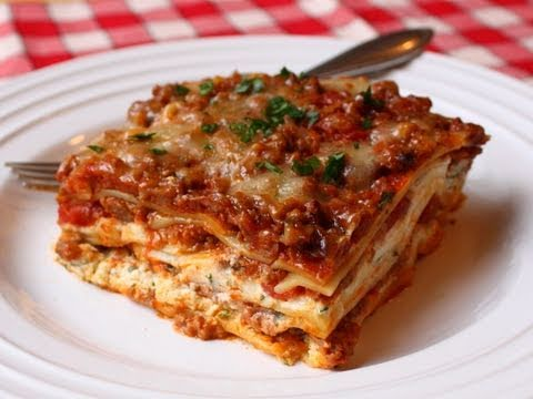 Lasagna Recipe - Beef & Cheese Lasagna - Christmas Lasagna Recipe