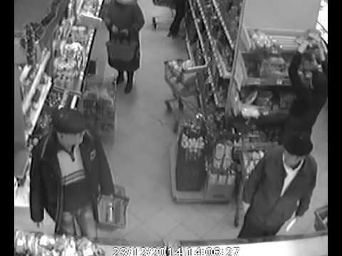 ВЛуки.ру: В Великих Луках разыскивают похитителей женских кроссовок и спортивных брюк