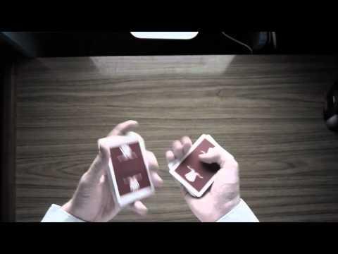 你想要學撲克牌魔術嗎?先來看看怎麼耍花式撲克牌吧!