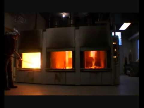 一直都認為火化就是把屍體放進火裡燒成灰燼,但是當火化爐的門一打開…絕對不是你想像的那樣!