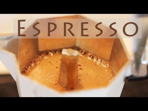 How to Make Coffee Using a Macchinetta, Espresso Stovetop Maker Bialetti Moka Express 비알레티로 커피 만들기