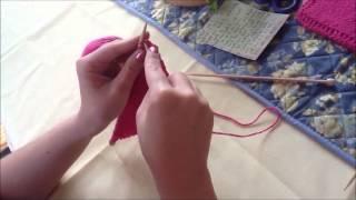 Part of a tutorial on knitting a prettier beginner's dishcloth. Full tutorial here: http://www.kissmeawake.com/2012/03/prettier-but-still-super-easy-knitted.html