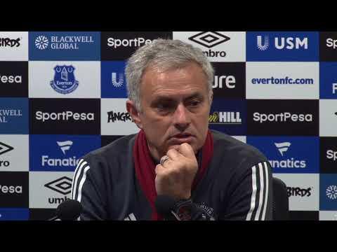 Mourinho hits back at Scholes criticism (видео)