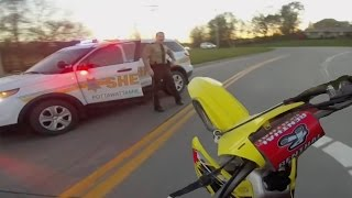 Video 10 Minute Dirtbike Chase with Police!! MP3, 3GP, MP4, WEBM, AVI, FLV Januari 2019