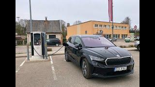 """AutoMedia Latvia"" tests: čehu elektro krosovers ""Škoda Enyaq iV"""