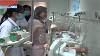 Cứu Sống Người Mẹ Cùng Thai Nhi 8 Tháng Tuổi Bị TNGT