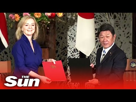 UK signs first big post-Brexit deal with Japan