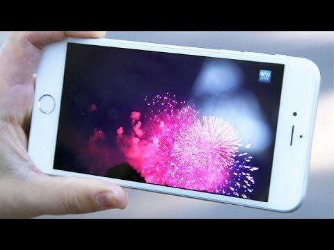 "or - Sept. 29 (Bloomberg) -- Consumer Reports Lead Electronics Editor Glenn Derene and Gadget Reviewer at Unbox Therapy Lewis Hilsenteger debate their Apple iPhone ""bendgate"" findings on ""Bloomber..."