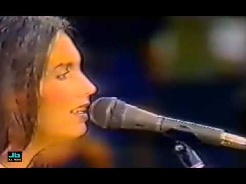 Emmylou Harris - Bad Moon Rising