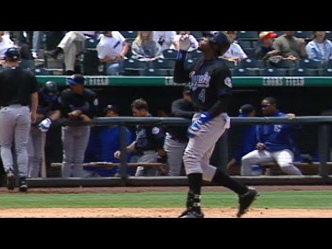 Video: Berroa opens the scoring with a solo homer