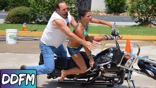 Video 7 Stupid Mistakes Beginner Motorcycle Riders Make (2019) MP3, 3GP, MP4, WEBM, AVI, FLV Juli 2019