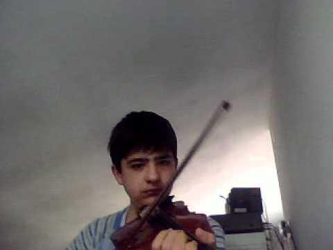 He's a pirate violino da studio