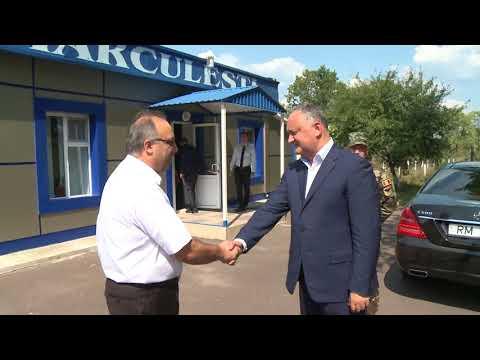"""Președintele Republicii Moldova a vizitat baza de aviație """"Decebal"""" din Mărculești și baza de păstrare tehnică, a armamentului și patrimoniului militar din Florești"""