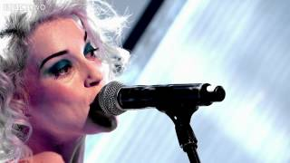 """St. Vincent performs """"Digital Witness"""" on Later... with Jools Holland"""