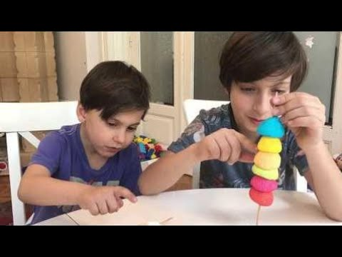 Video Learn colors with Baby and  Candy Balls    Family Nursery rhymes songs for kids download in MP3, 3GP, MP4, WEBM, AVI, FLV January 2017