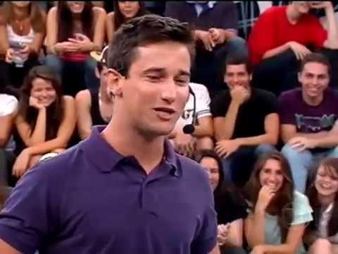 Filipe Pontes faz várias imitações no Altas Horas