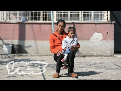 Children for Sale: The Trafficking Ring Selling Babies from the Slums to Rich Couples (видео)