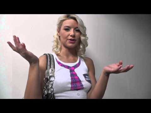 An interview with Anikka Albrite: Size matters? (видео)